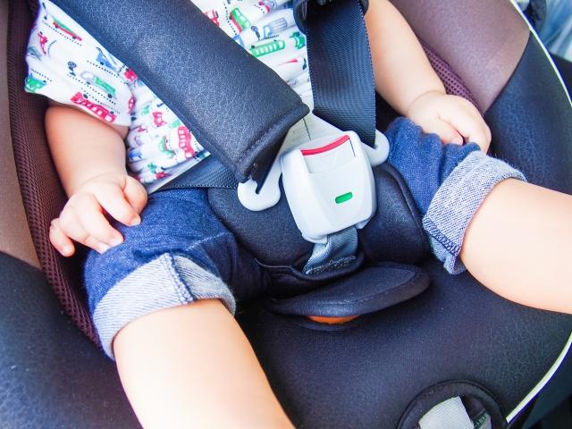 赤ちゃん 車 泣く 対策