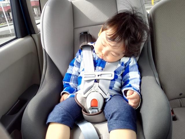 チャイルドシート 嫌がる 3歳