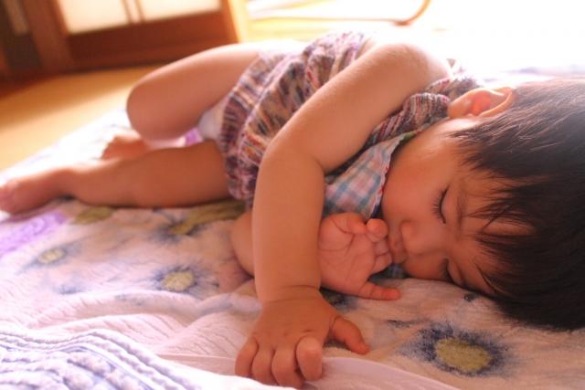 赤ちゃん 抱っこ紐 寝る