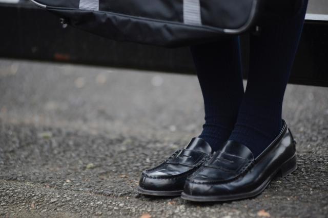 ローファー 靴擦れ かかと 防止