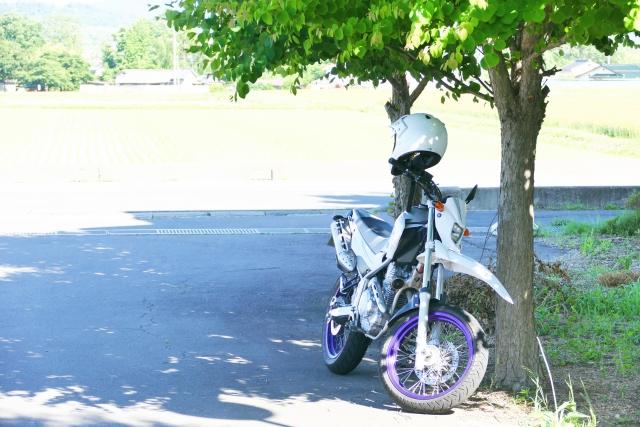 バイク 街乗り 服装 夏