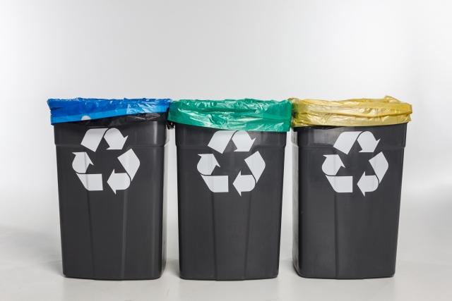 夏 ゴミ箱 ベランダ